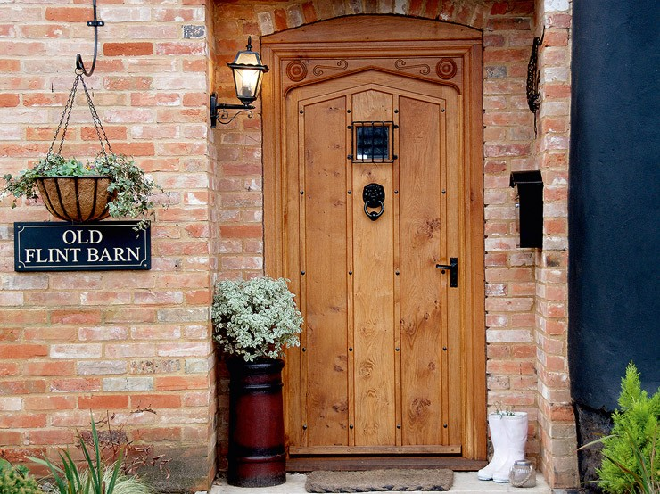Beautifully crafted Oak Door, Flint Barn, Norfolk