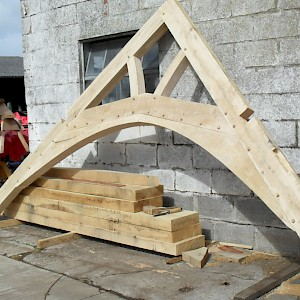 Oak trusses individually design 4